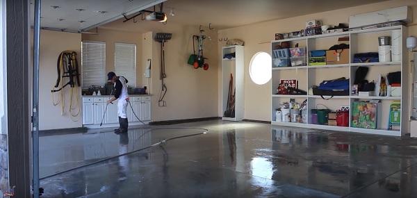 acid-etching-epoxy-floor-garage